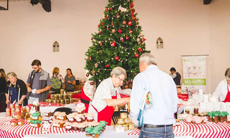 christmas-bazaar-good-shepherd-cathedral-lima-2018
