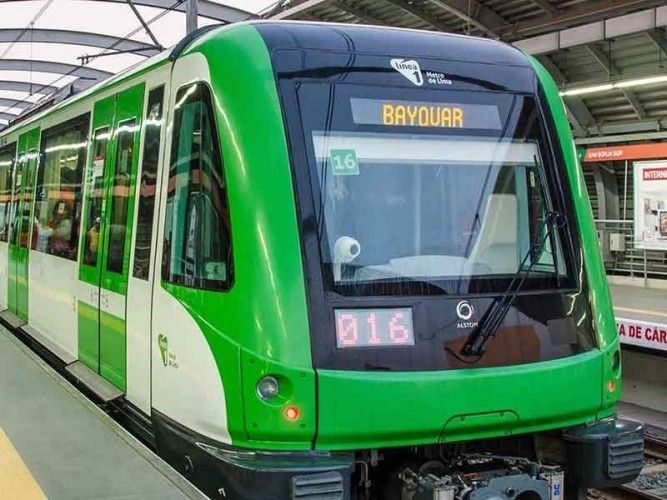 Lima Metro service disruption with 1,000 pasangers stuck for over one hour