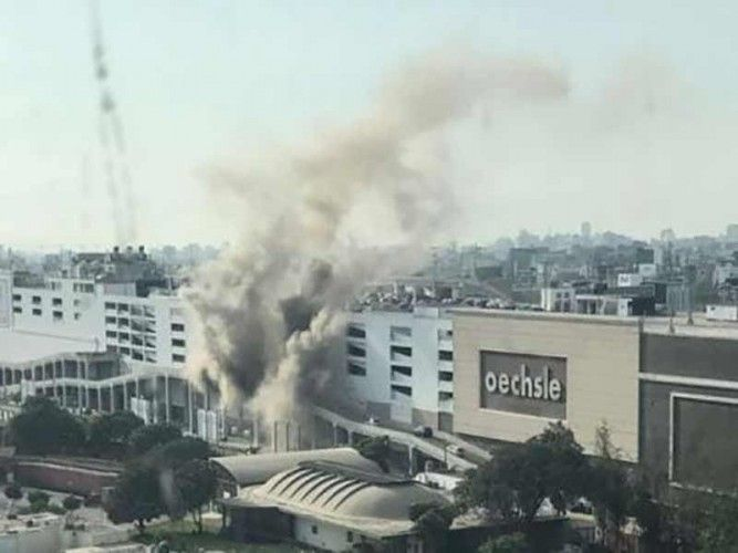 A fire at the Jockey Plaza shopping mall in Surco, Lima broke out earlier this afternoon; photo: El Comercio