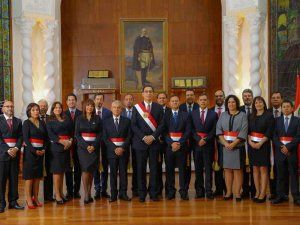 Peruvian President Martin Vizcarra with his new Prime Minister Cesar Villanueva and the newly sworn-in Ministers; photo: Presidencia de la República