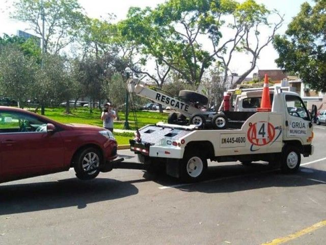 Municipality of San Isidro cracks down on parking offenders