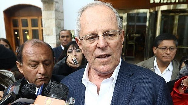 Popularity of Peru's president drops by 8 %